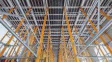 """Městský zámek """"Humboldt-Forum"""", Berlín: Lehký hliníkový a flexibilně použitelný SKYDECK a systémové díly MULTIPROP ušetřily čas a náklady při bednění stropů."""
