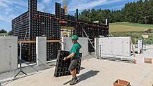 Alle DUO Systembauteile wiegen weniger als 25 kg – DUO ist damit eine echte Handschalung und ohne Kran zu bewegen.