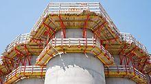 Silos za žitarice u blizini Parme, Italija - tipski atestirane pružaju visoku bezbednost u svim oblastima primene: PERI penjajući sistemi CB 240 sa spoljašnje i CB 160 sa unutrašnje strane.