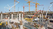 Midfield Terminal Building, Abu Dhabi - kako bi se svaki dan obradilo više od 1.000 m³ betona, potreban je enorman angažman osoblja i goleme količine materijala.