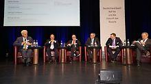 Auf der Veranstaltung der Initiative Deutschland baut!: (von links nach rechts) Dr. Peter Ramsauer, Rainer Bomba, Udo Berner, Christoph Dorn, Hartmut Goldboom, Michael Wörtler