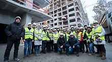 Команды-финалисты на крупном строительном объекте в Москве