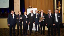 Auf der Veranstaltung der Initiative Deutschland baut!: (von links nach rechts) Johann Jaeger, Benoit d'Iribarne, Rainer Bomba, Wolfgang Tiefensee, Dr. Peter Ramsauer, Udo Berner, Dieter Babiel, Thomas Imbacher