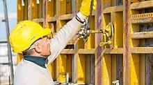 MAXIMO beschleunigte das Schalen der Wände - 2 Tage pro Geschoss voraus mit integriertem Schalungs- und Gerüstkonzept