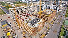 Obytný komplex u Severního nádraží, Vídeň: V areálu bývalého Severního nádraží ve Vídni vzniká ve dvou budovách 91 bytových jednotek. Efektivní systémy bednění MAXIMO a SKYDECK pomohly stavařům dodržet určenou dobu výstavby hrubé stavby – 10 měsíců.