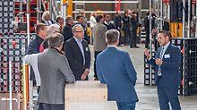 Im PERI Fortbildungszentrum in Weißenhorn bekamen die Teilnehmer praxisnah und in kleinen Gruppen die neuesten Lösungen vorgestellt.