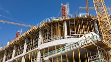Eine besondere Herausforderung für das Planungs- und Konstruktionsteam stellten die verschiedenen Etagenhöhen dar, die von rund 4 bis 7 m variieren.