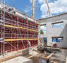 Die Außenwände konnten mithilfe MAXIMO und PERI UP in einem Guss 7,20 m hoch geschalt und betoniert werden.