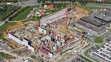 Das Technologiezentrum für Fahrzeugsicherheit am Standort Sindelfingen ist 273 m lang und 172 m breit.