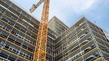 Für den PERI UP Baukasten – bestehend aus dem Fassadengerüst PERI UP Easy und dem Modulgerüst PERI UP Flex – sind neue Systembauteile entstanden. Auch für die Gerüsttechnik gilt bei PERI: ein möglichst breites Anwendungsspektrum mit der geringstmöglichen Teilevielfalt. (Foto: PERI GmbH)