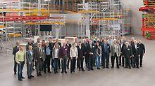Gruppenbild von 31 Professoren und Dozenten bei der PERI Fachtagung