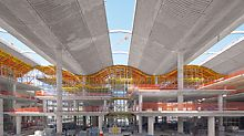 Banco de la Ciudad de Buenos Aires - For forming the undulating roof construction, movable slab tables on PERI UP intermediate platforms are being used.