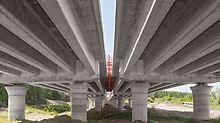 Dálniční most přes řeku Drávu - Nosníky předmostí jsou uloženy na válcových sloupech o průměru 180 cm s hřibovou hlavicí, které mají díky nasazení atypického ocelového bednění PERI nejkvalitnější povrch betonu.