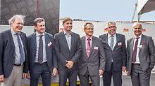 Jeroen Baert (Bürgermeister von Boom) und Ludwig Caluwé (Abgeordneter der Provinz Antwerpen) eröffneten gemeinsam mit der belgischen und der internationalen Unternehmensleitung von PERI offiziell das neue Gelände mit dem modernen Gebäude.