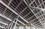 Generali Tower, Milan, Itálie - Bednění stropů s tloušťkou 32 cm systémem SKYDECK