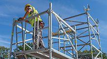Das Baustellenpersonal befindet sich in allen Montagesituationen in gesicherter Position. Die MDS Beläge werden ohne Werkzeug an den Horizontalriegeln eingehängt, ein unbeabsichtigtes Abheben von unten ist nicht möglich.