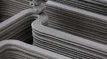 PERI gewährt auf der bautec einen interessanten Blick in die Zukunft: Der COBOD 3D-Betondrucker druckt live in Halle 3.2, Stand 3701.
