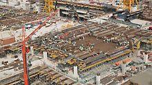 Complesso del Midfield Terminal, Abu Dhabi - Oltre 6.000 tavoli per solai sono impiegati a ciclo continuo in cantiere