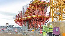 Návrh PERI zohlednil také hospodárné nasazení materiálu. Opěrné rámy SB byly nasazené jak pro konzolové rozšíření pylonů, tak také pro hlavice pilířů předmostí.
