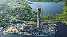 V Petrohradě je budována zatím nejvyšší budova v Evropě. Jedná se o centrálu energetického koncernu Gazprom. Neobyčejná multifunkční budova, kterou bude doplňovat amfiteátr a rozsáhlé parky, bude 462 m vysoká.
