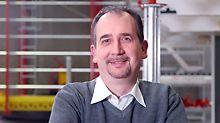 Dieter Deifel, Produktmanager Ingenieurbau & Klettersysteme, ist seit über 15 Jahren auf der bauma live vor Ort. Im Interview erzählt er, warum der direkte Kundenkontakt für Ihn wichtig ist.