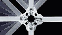 PERI UP Flex Modul- Arbeitsgerüst: Die Rosette des Vertikalstiels lässt Auslenkungen bis zu 45° zu. Die Knoten im Abstand von 50 cm bieten Anschlussmöglichkeiten in allen Richtungen.
