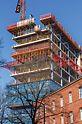 Auf Basis eines durchdachten PERI Schalungs- und Sicherheitskonzepts wurden die 16 Geschosse des Düsseldorfer Bürohochhauses im regelmäßigen 2-Wochen-Takt fertiggestellt.