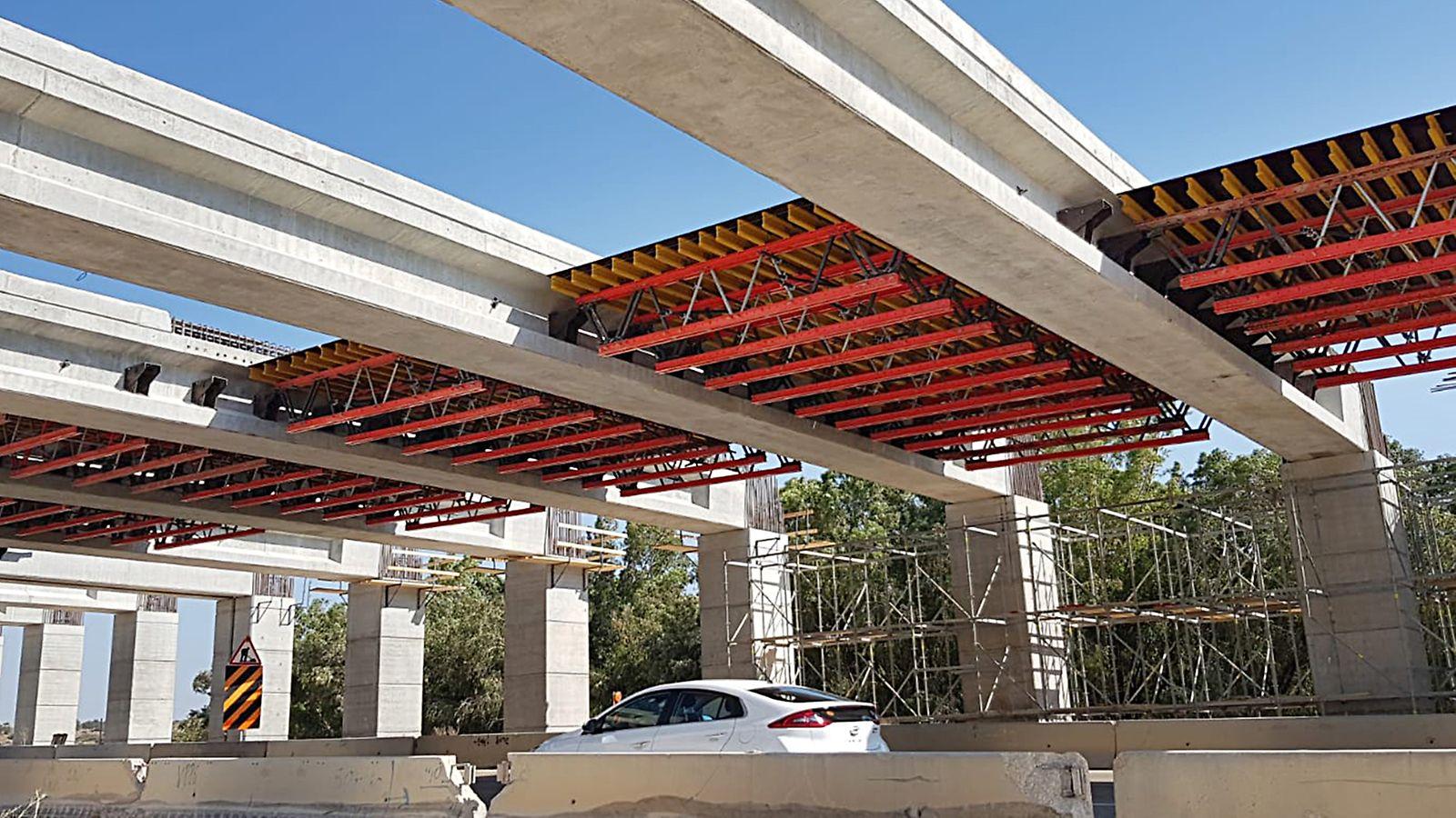 גשר פרגולה בפרויקט קשת מודיעין