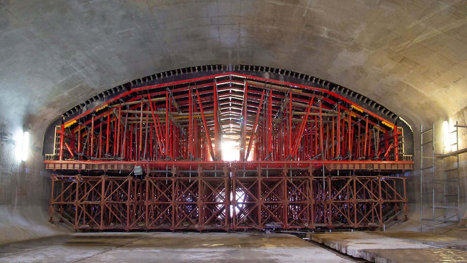 метро нижегородская, строительство туннелей, опалубка для туннелей, опалубка peri