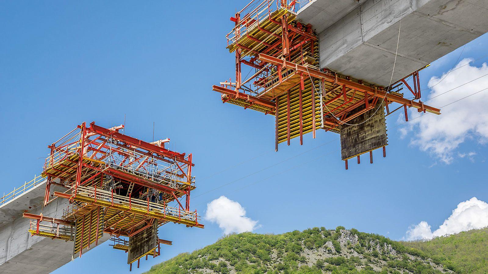 Linker, rechter und mittlerer Abschnitt des Brückenüberbaus wurden jeweils in 64 Betonierabschnitte unterteilt und mit insgesamt vier VBC Freivorbaugeräten gleichzeitig ausgführt.