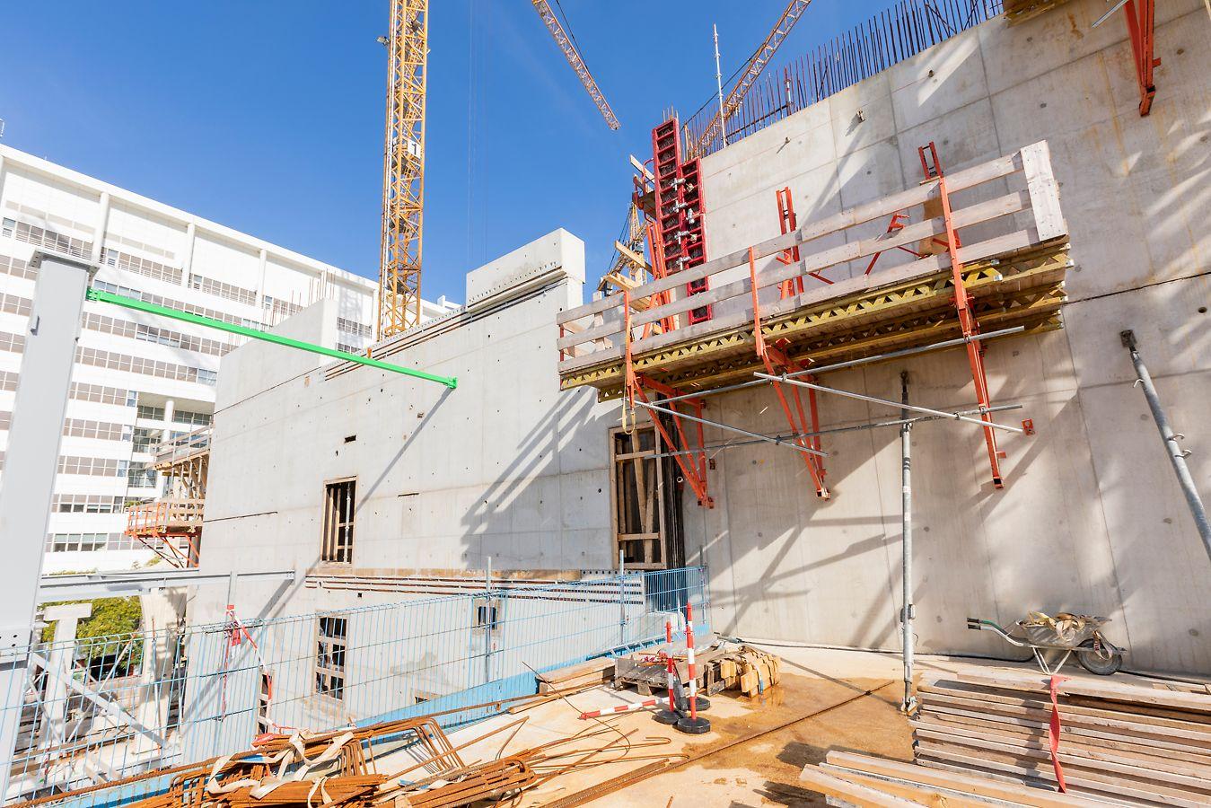 OCC Spuikwartier Den Haag: Betonresultaat van MAXIMO paneelbekisting met regelmatig plaatnaden- en centerpatroon